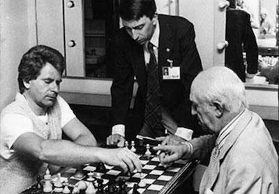 Miguel Najdorf ante Boris Spassky