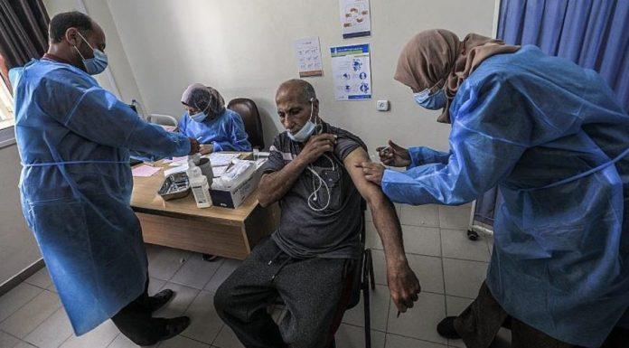 En los territorios palestinos de Gaza y Cisjordania se vacuna con dosis de COVAX de la OMS y Sputnik facilitadas por Emiratos Árabes
