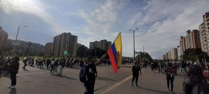 Manifestantes en Bogotá y en otras ciudades de Colombia salen a las calles diariamente desde finales de abril para protestar contra políticas del gobierno y la represión que ha cobrado decenas de vidas. Foto: Jeimmy Celemín / ONU Colombia