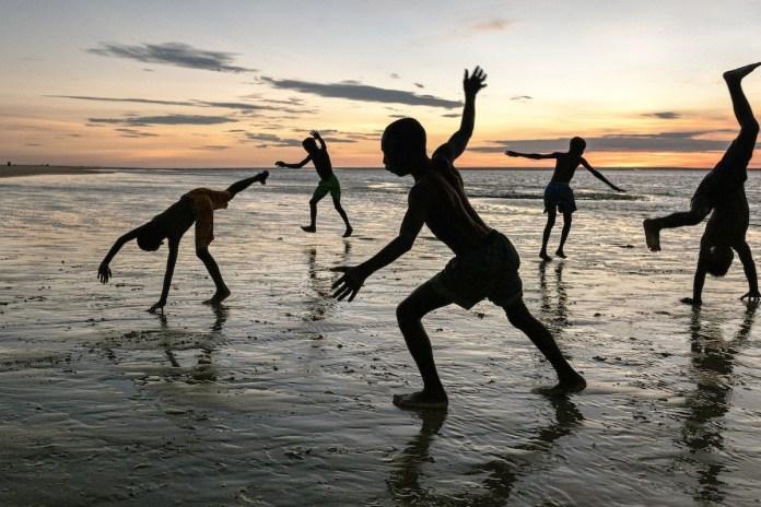 McCurry Madagascar niños playa , 2019. Retouched Emily Rogers 06/22/2020