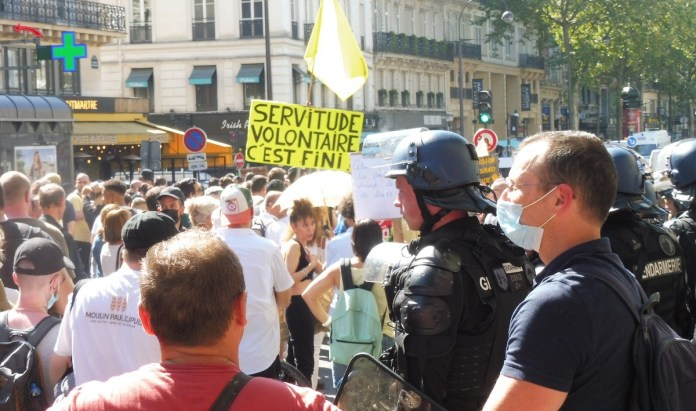 Manifestación en Francia contra el «pase sanitario»