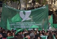 Argentina: mujeres movilizadas en apoyo de derecho aborto. Foto APU