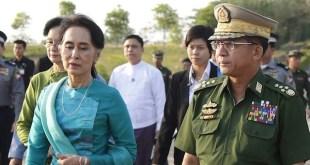 La líder birmana Aung San Suu Kyi y el general Min Aung Hlaing en una foto de archivo