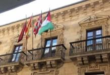 Bandera saharaui en el Consistorio de la localidad vizcaína de Ermua