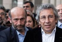 Can Dündar, a la derecha, con Erdem Gül