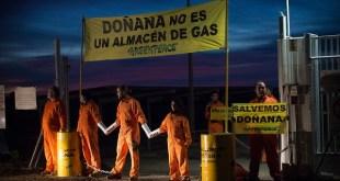 Greenpeace: 24 horas encadenados en Doñana