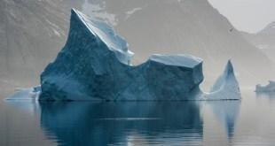 Iceberg flotante, Mar del Norte del Atlántico, Groenlandia