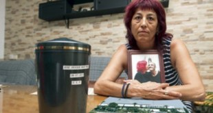 """José Araque Martínez murió en julio de 2015, entubado en la UCI, sedado y sangrando por la boca, asfixiado porque le habían extirpado el pulmón izquierdo, que tenía nódulos """"grandes como aceitunas"""", declaraba a Interviú Paqui Silva Pascual, su viuda."""