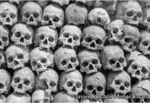 En la imagen un osario de Siem Reap (Camboya) con víctimas del genocidio de los Jemeres Rojos