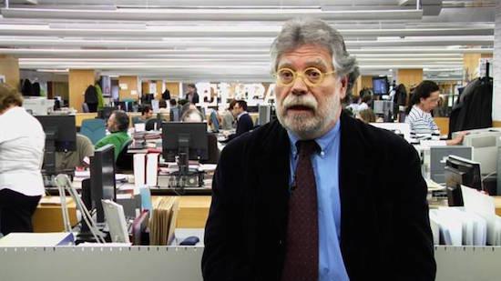 Joaquín Estefanía en la redacción de El País