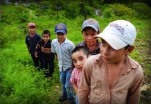 Miles de niños de otros países llegan a México para cruzar a EEUU, y desaparecen