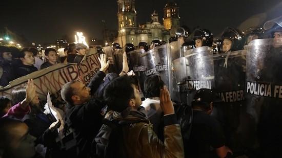 Mexico-Zocalo-Protestas