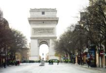 """París, 8 de diciembre de 2018, piquete de """"gilets jaunes"""" en el Arco del Triunfo"""
