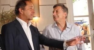 Scioli y Macri en una foto previa a la segunda vuelta electoral en Argentina, celebrada el 22 de noviembre de 2015. Foto: mdzol.com