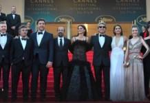 """Dirección y actores de """"Todos lo saben"""" en la alfombra roja que inaugura Cannes 2018"""