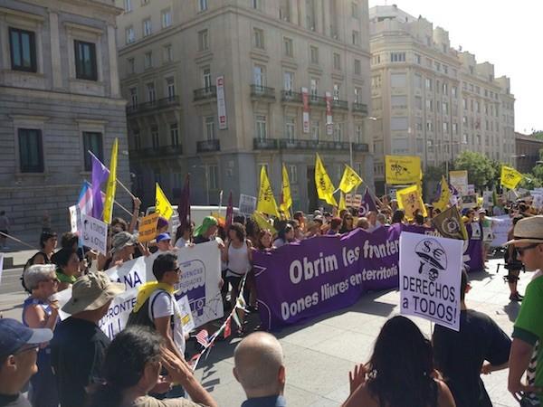 Los promotores de Abriendo Fronteras en la Puerta del Sol de Madrid