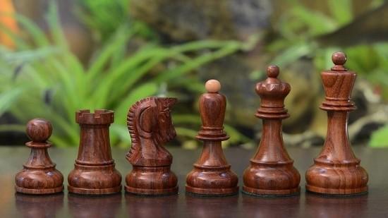 Las piezas del ajedrez Dubrovnik.