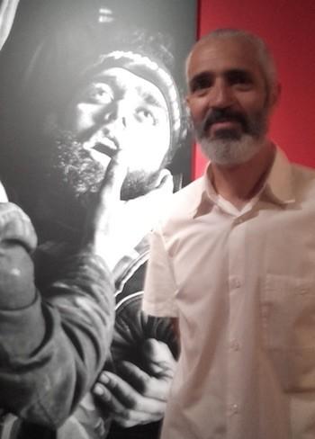 Alberto Prieto en la exposición. ©Jecala