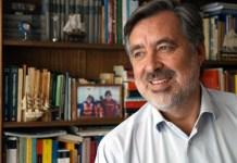 Alejandro Guillier fotografiado por Patricio Contreras ra una entrevista publicada en puro periodismo.cl