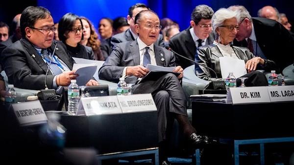 Grant Ellis: Kim y Lagarde en la reunión del Banco Mundial y el FMI