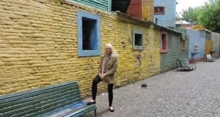 Buenos Aires, Adriana Bianco en el caminito a La Boca