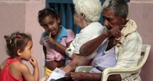 Cuba: avances en maternidad y paternidad