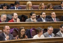 Madrid: diputados y diputadas en sus escaños del Congreso
