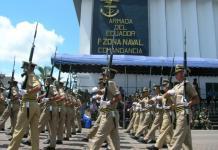 Desfile en una unidad militar en Ecuador. Andes