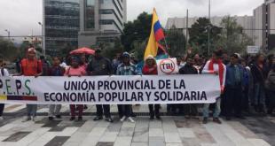 Ecuador: organizaciones de la sociedad civil de Guayas, Esmeraldas y Manabí en una acción de protesta contra los TBI. Foto: Andes