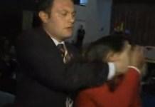 Escolta de Erdogan agrede a una mujer que prestaba por su visita a Quito, Ecuador. Foto ANDES/ larepublica.ec