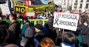 Sindicatos de periodistas piden acabar con leyes mordaza en España