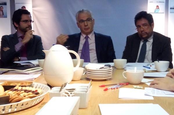 Los abogados Eduardo Ranz, Baltasar Garzón y Manuel Ollé en la sede de la FIBGAR