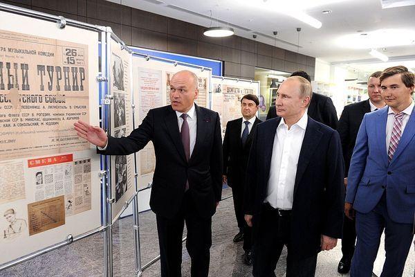 Ajedrez: Karjakin, asesor de Putin y polémico aniversario de Crimea