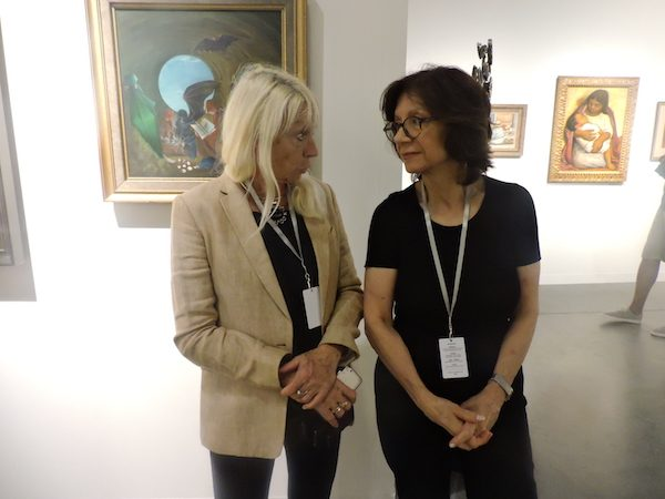 Adriana Bianco con la galerista Mary Anne Martin