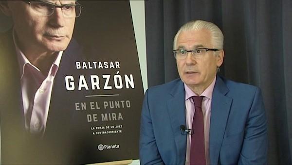 """El juez Baltasar Garzón en la presentación del libro """"En el punto de mira"""""""