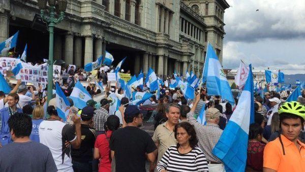 Protestas ciudadanas en demanda de diálogo político en Guatemala