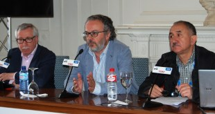 Ignacio Fernández Toxo, Miguel Ángel Noceda, uno de los directores del curso, y Josep María Álvarez