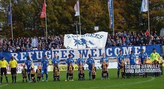 Un club modesto, el Oldenburg, solidario en campo y gradas