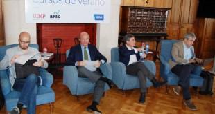 Los cuatro representantes de los partidos poco antes de empezar el debate