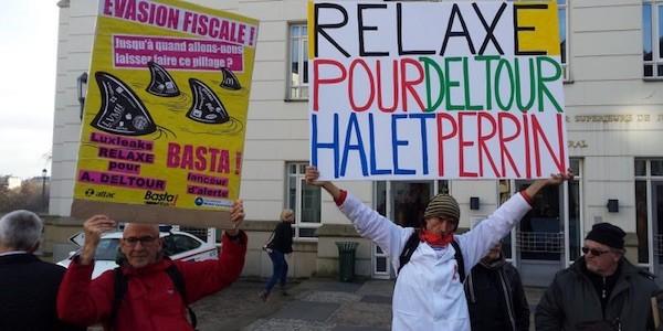 Protestas por el juicio contra el periodista Edouard Perrin