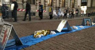Milan, plaza Scala, movilización por las personas desaparecidas en el Mediterráneo. Foto de Raffaella Correnti / Pressenza