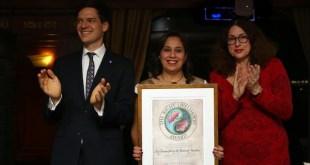 Feminista egipcia Mozn Hassan recibe 'Nobel Alternativo'