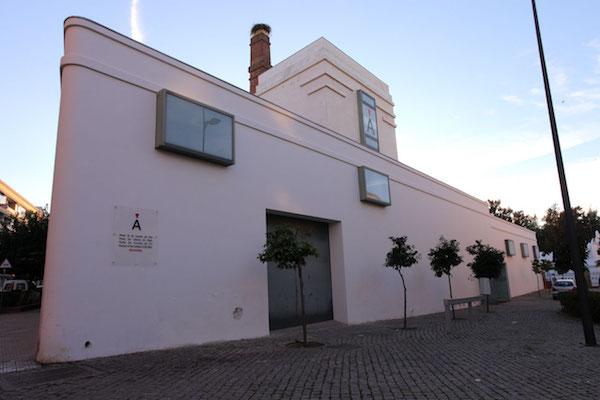 Fachada del Museo de Ciencias del Vino de Extremadura en Almendralejo.
