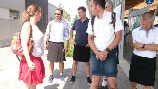 Los tranviarios de Nantes conducen con faldas
