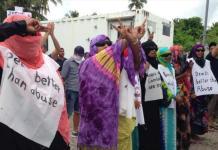Protestas de migrantes detenidos por Australia en la isla de Nauru