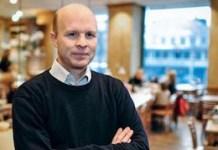 El periodista británico Nicholas Shaxson.