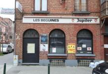 Bar que regentaban en Molenbeek (Bruselas) los hermanos Abdesalam, presuntos implicados en los atentados de París.