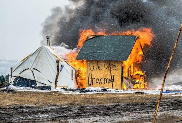 Standing Rock: tiendas quemadas para evitar profanaciones