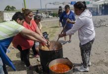 Preparación de una olla popular durante una protesta social en la provincia de Tucumán. TELAM
