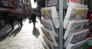 Quiosco de prensa en el barrio de Kadikoy, en Estambul. Crédito: Joris Leverink / IPS